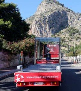 Unicredit Palermo Sede Centrale Palermo E Quei Sorrisi Della Gente Trophy Tour