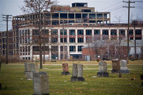 abandoned auto factories   world carstuff