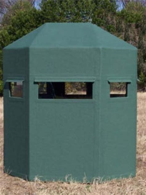 fiberglass deer blinds sdh outdoors 4 x6 classic fiberglass blind w end entry
