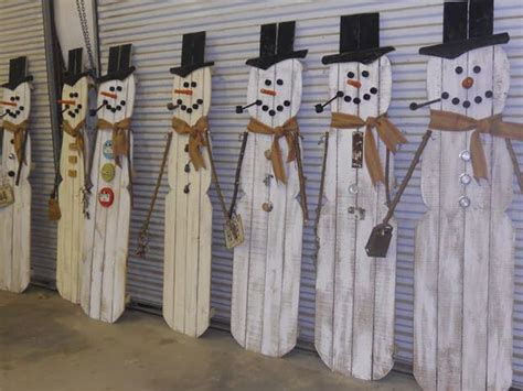 christmas decorations  pallets