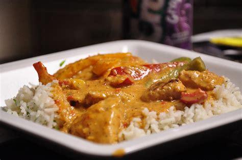 cuisine thailandaise poulet recette curry de poulet thaïlandais recettes asiatiques