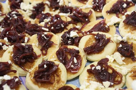 goats cheese canape recipes goats cheese and caramelised canapé