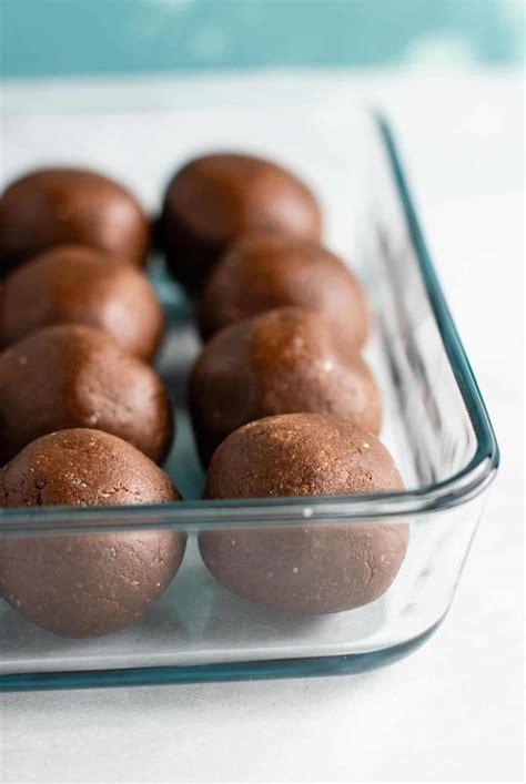 Chocolate Protein Balls Recipe - Build Your Bite