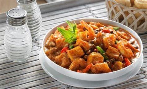 Cara membuat paella seafood khas spanyol cukup mudah hanya dengan memasak beras beserta semua bahan menjadi satu. Resep Cara Membuat Krecek Sapi Kacang Tolo Istimewa Dan Sangat Sedap - BUKU MASAKAN - BUKU MASAKAN