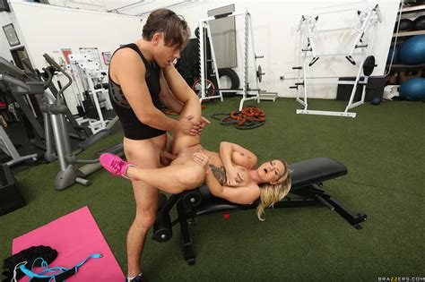 Curvaceous Blonde Got Fucked In The Gym Photos Cali