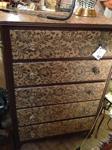 ideas   diy lace painted furniture  art  life