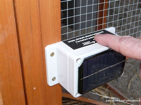 porte automatique pour poulailler porte automatique solaire pour poulailler animaux jura