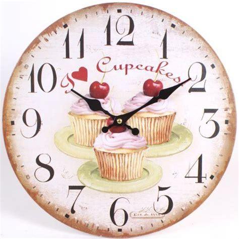 horloge de cuisine horloges murales de cuisine petits gâteaux aux cerises