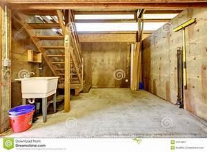 Grande Grange D39curie De Cheval De Ferme Image Stock