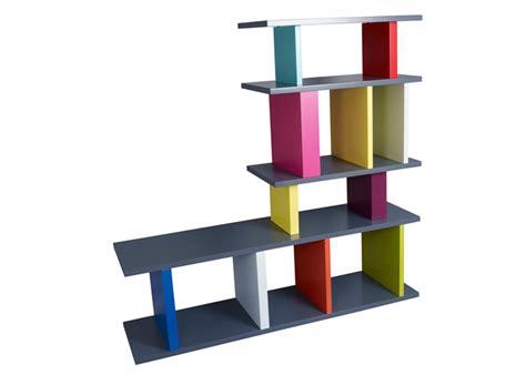 le a pied design biblioth 232 que 233 tag 232 re modulable sur mesure le pied mobilier les pieds sur la table