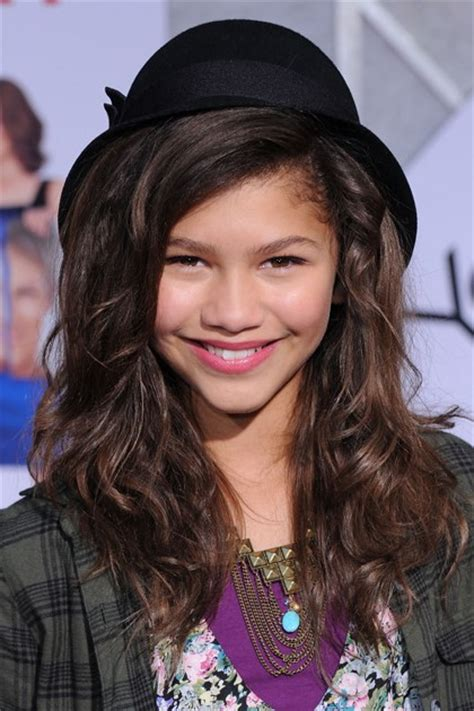 zendayas  red carpet hair  makeup  teen vogue