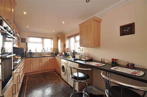 what to look for in a kitchen sink 4 bedroom detached house for in woodingdean brighton 2246