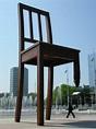Broken Chair - Wikipedia