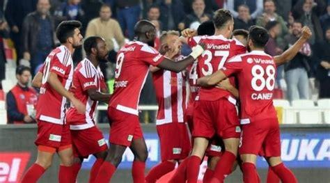 Compare how teams of 3 rank against other battle teams in superliga! ANT vs SIV Dream11 Prediction: Antalyaspor vs Sivasspor ...