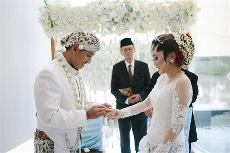 wedding present registry weddings in indonesia a guide to customs and etiquette at
