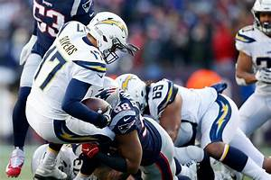 Patriots Defeat The Chargers 41 28 Bolts From The Blue