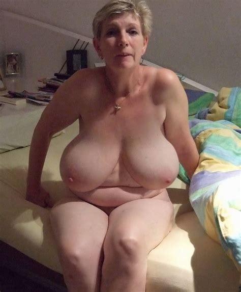 Big Fat Women In Nude At Beach Porn Tube