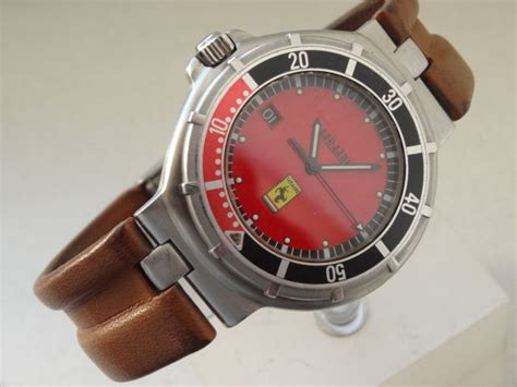 The group received attention in december 2014 with the controversial video. FERRARI BY CARTIER - MEN'S WATCH - 80s - Catawiki