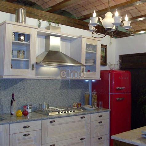 plan maison 1 chambre cuisine aménagée chêne blanchi plan de travail granit cantina
