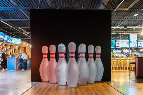pin deck bowling alley   solid strike