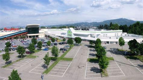 Parco Commerciale In Corso Romania