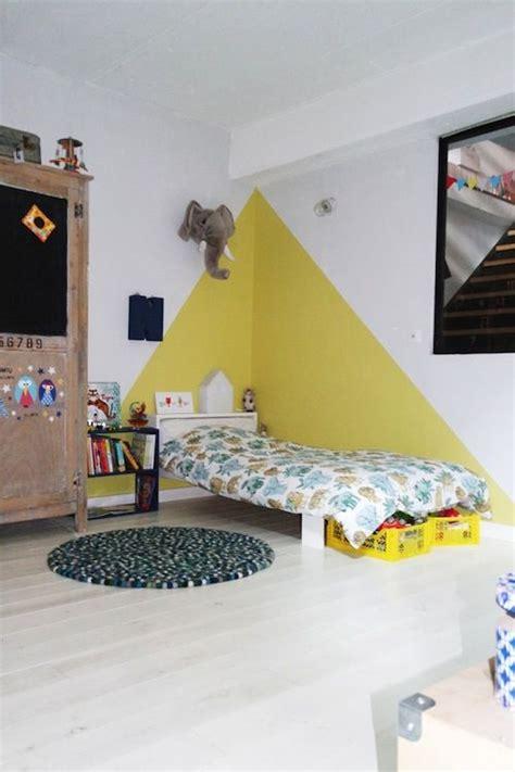 chez camille ameline nanelle chambre d enfant kid room yellow peinture murale jaune