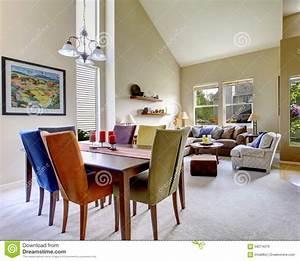 Chaise salle a manger coloree idees de decoration for Idee deco cuisine avec chaise salle À manger colorée