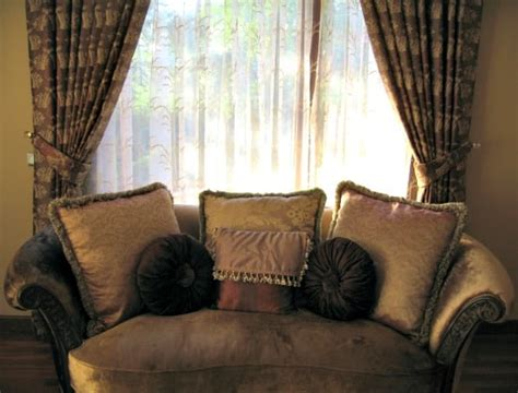 Cleaning Drapes - how to clean curtains of any type and when