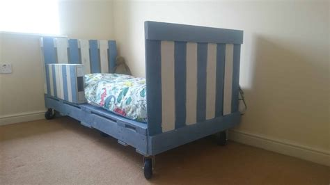 transitional childrens pallet bed  wheels  pallets