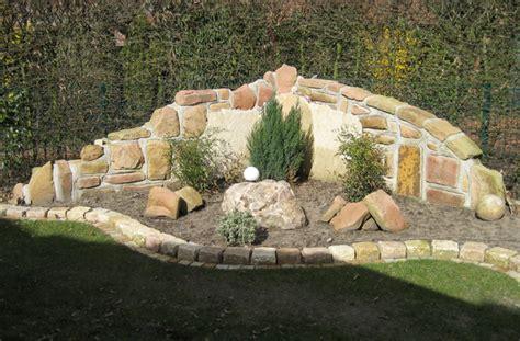 Mauer Im Garten Mauern Und Pfeiler Aus Sandstein Und Anderem Naturstein