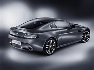 Aston Martin V12 Vanquish : toutes les photos aston martin v12 vantage sur ~ Medecine-chirurgie-esthetiques.com Avis de Voitures