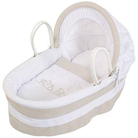 chambre de bebe pas cher faut il acheter un couffin ou un landau