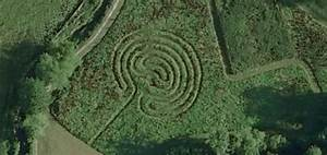 Mystery of strange pattern in ground | Strange Unexplained ...
