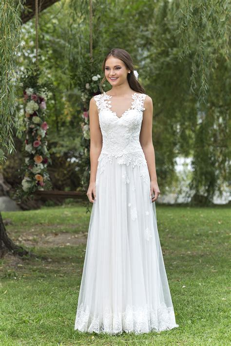 della wedding dress  bella bridal melbourne