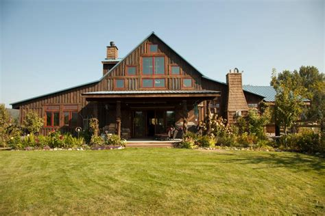 Barns Turned Into Houses by Beautiful Barns Turned Into Functional Spaces Gac