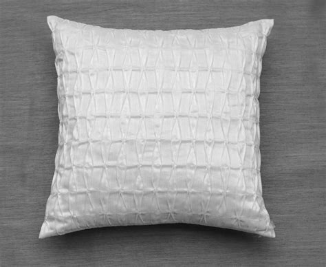 white decorative pillows white throw pillowswhite decorative pillowstextured