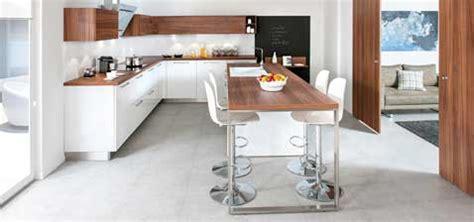 deco cuisine blanc et bois cuisine ouverte schmidt strass 1 en déco blanc et bois