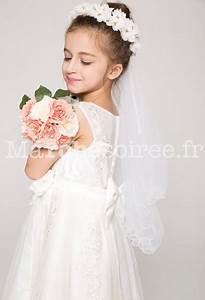 Couronne De Fleurs Mariage Petite Fille : voile avec une couronne de fleurs pour jeune fille ~ Dallasstarsshop.com Idées de Décoration