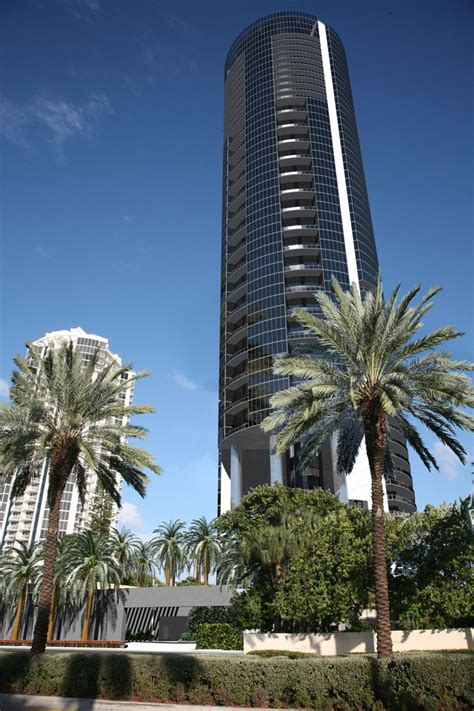 porsche design tower construction porsche design tower miami 18555 collins avenue sunny