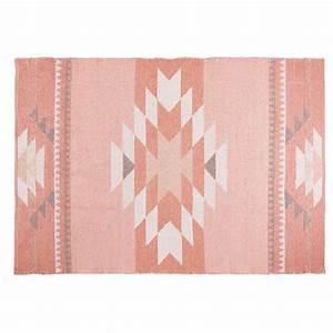tapis ethnique en coton rose 180x120cm maya maisons du monde With tapis coton ethnique