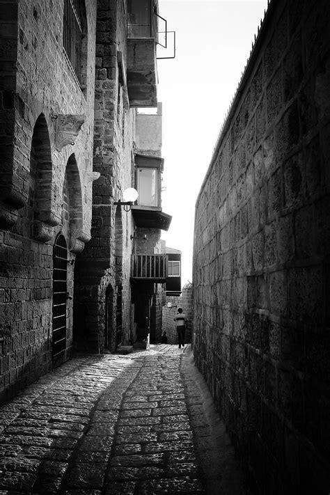 fotos gratis camino ligero en blanco  negro la