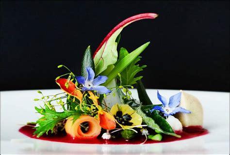 cuisine violette parsemez votre repas de mariage de fleurs comestibles