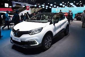 Renault Capture 2017 : renault captur a ginevra il crossover francese col nuovo look video live ~ Gottalentnigeria.com Avis de Voitures