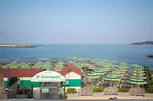 Bagno Garagolo Beach  Castiglioncello  Italy   Top Tips