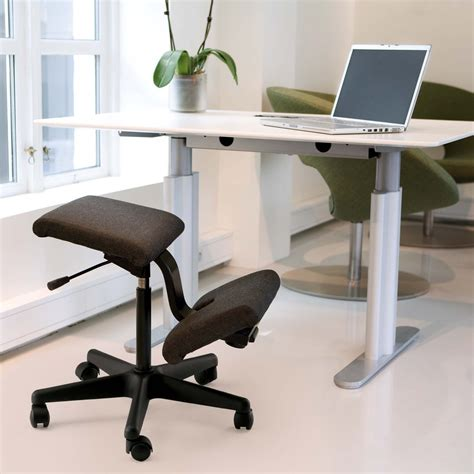 sgabello ergonomico idee come scegliere la sedia ergonomica per la scrivania