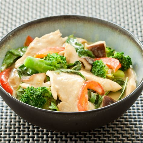 thai kitchen green curry chicken recipe thai green curry with chicken broccoli and mushrooms 9455