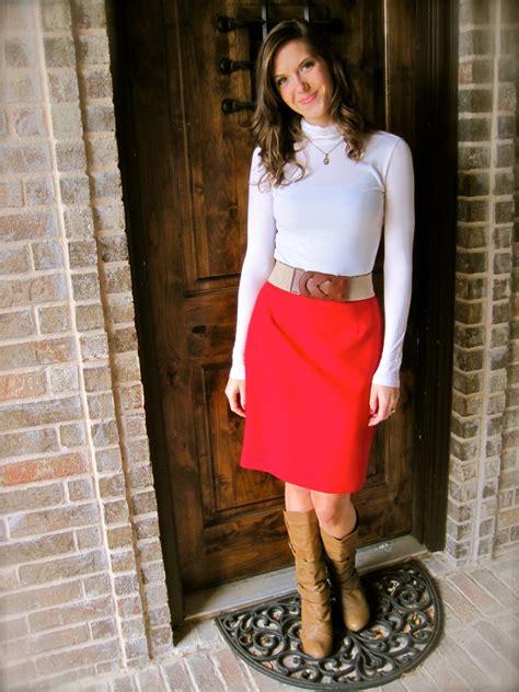 How to Wear a Red Skirt 2018 | FashionGum.com