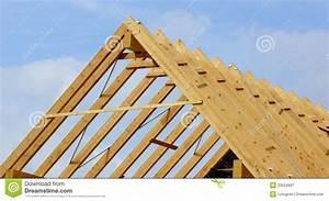 Holz Für Dachstuhl : dachbinder oder dachstuhl lizenzfreie stockfotografie ~ Sanjose-hotels-ca.com Haus und Dekorationen