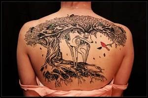 Frauen Rücken Tattoo : tattoo spirit 50 ideen f r lebensbaum tattoo tattoos zenideen ~ Frokenaadalensverden.com Haus und Dekorationen