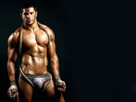 Bodybuilder in Worn Underwear with Rope | Gallery Of Men